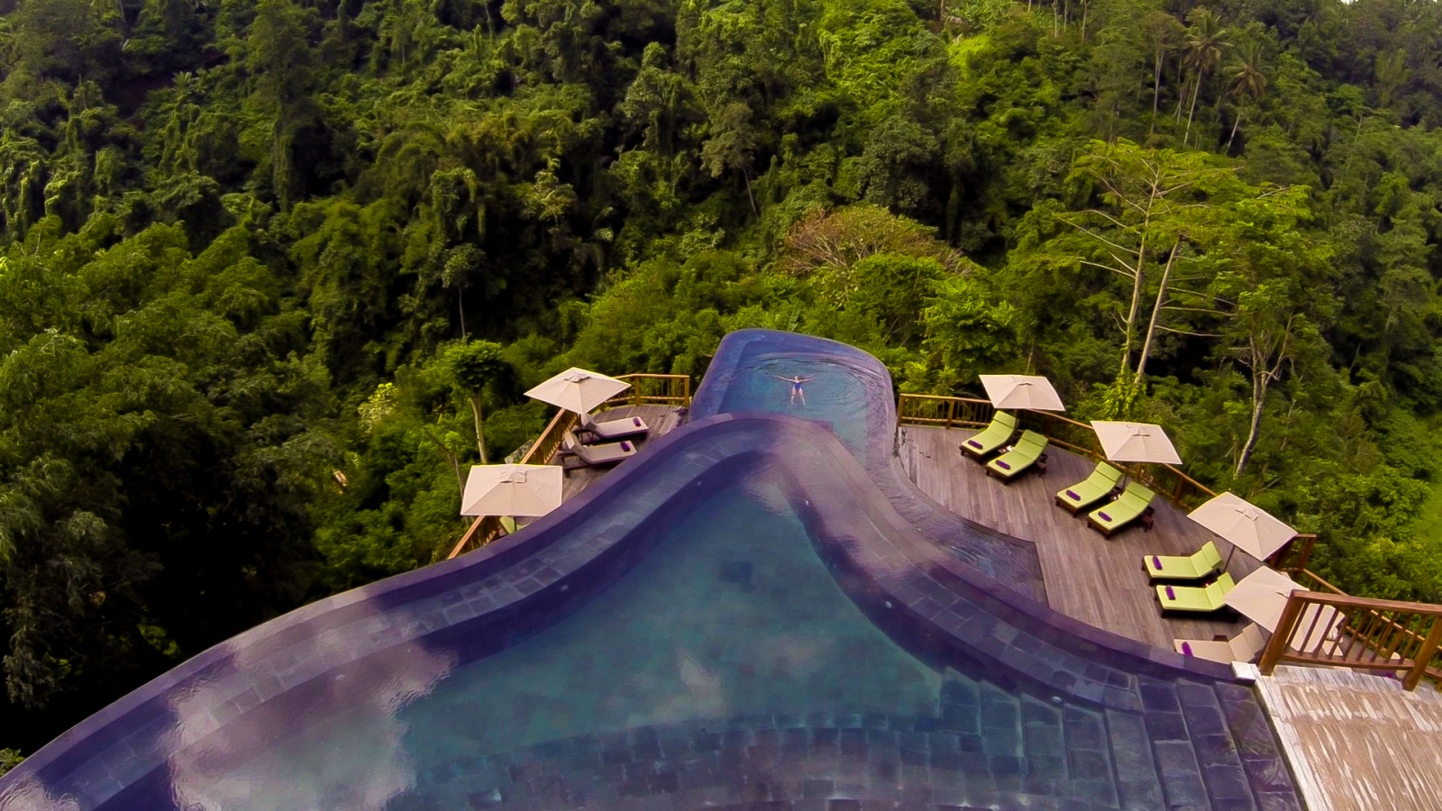 The 50 most amazing hotel pools in the world for Ubud hanging gardens swimming pool price