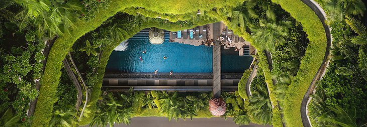 Parkroyal Pickering - Top View On The Green Jungle Facade