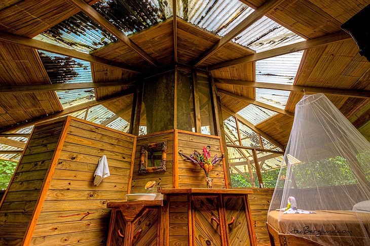 El Castillo treehouse interior