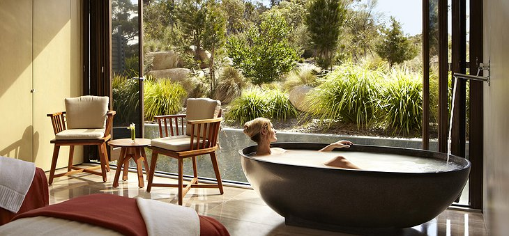 Saffire Freycinet hotel spa bath