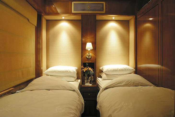 The Blue Train twin bed room