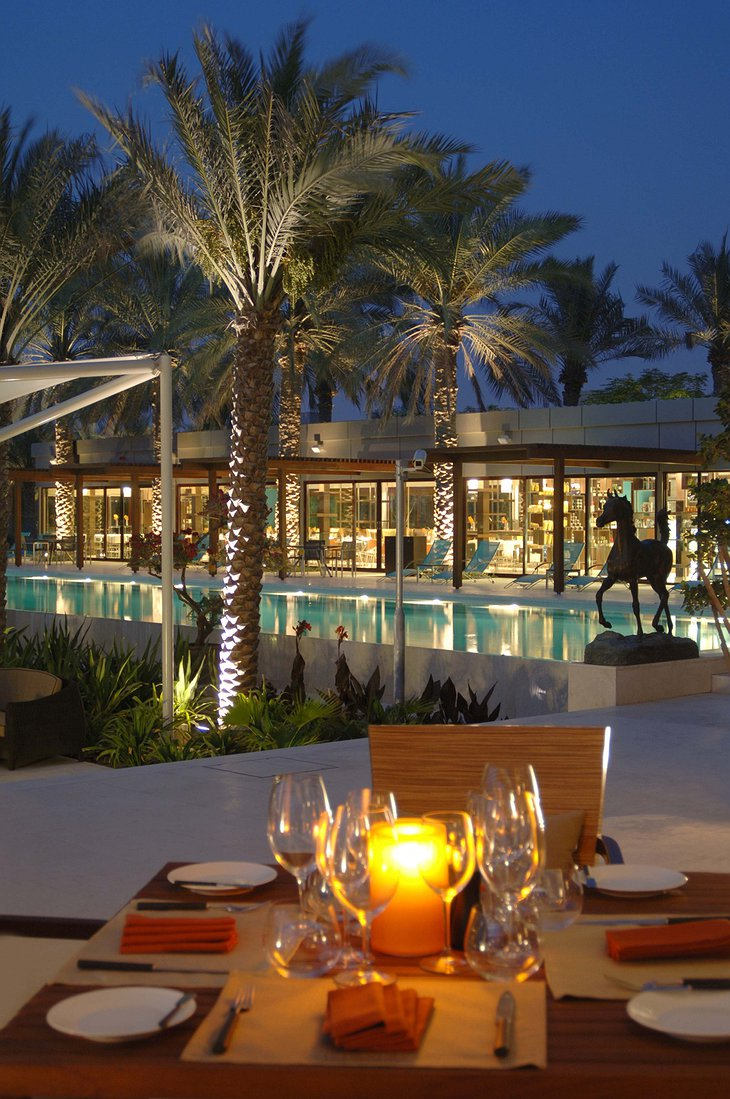 Desert Palm Resort Dubai dining at the swimming pool