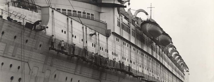 Queen Mary used as troop transport during World War 2