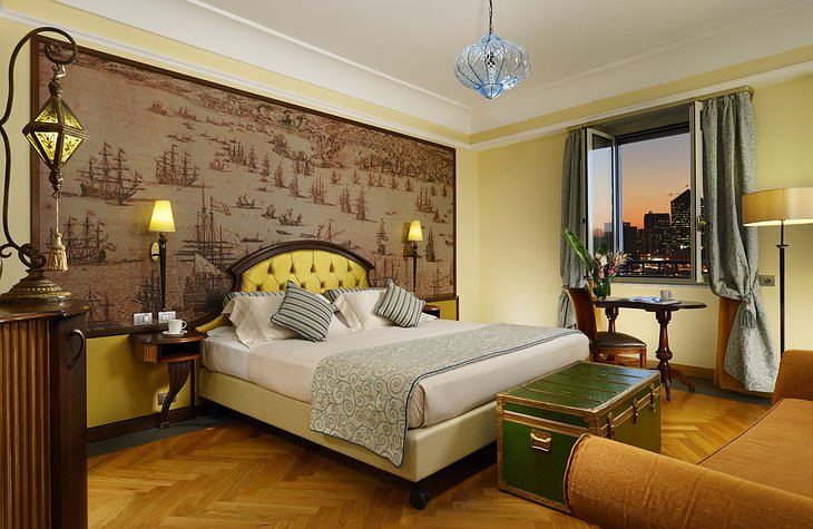 Grand Hotel Savoia Genova bedroom with city view