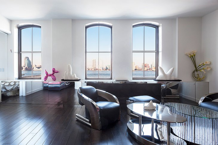 Tribeca apartment large windows with New York panorama