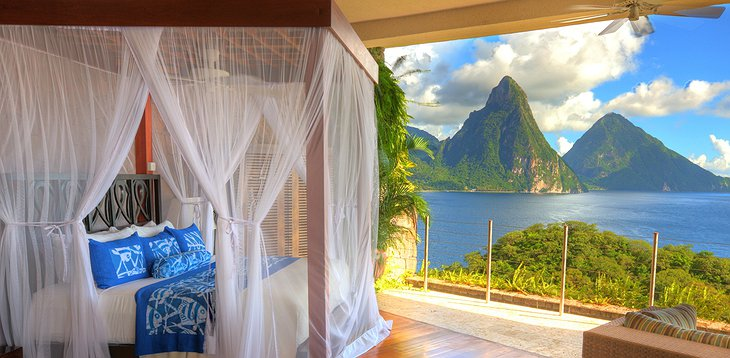 Jade Mountain Resort bedroom