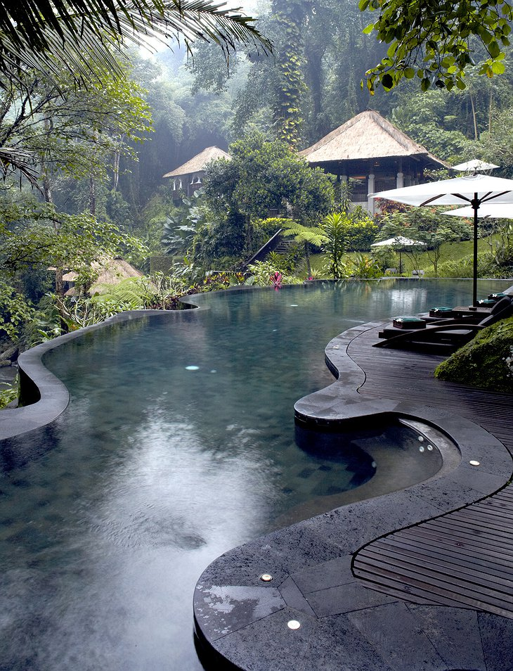Maya Ubud Resort spa pool