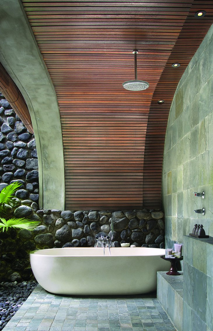 Alila Ubud deluxe outdoor open shower