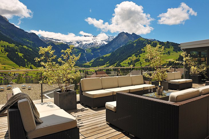 The Cambrian terrace with mountains views