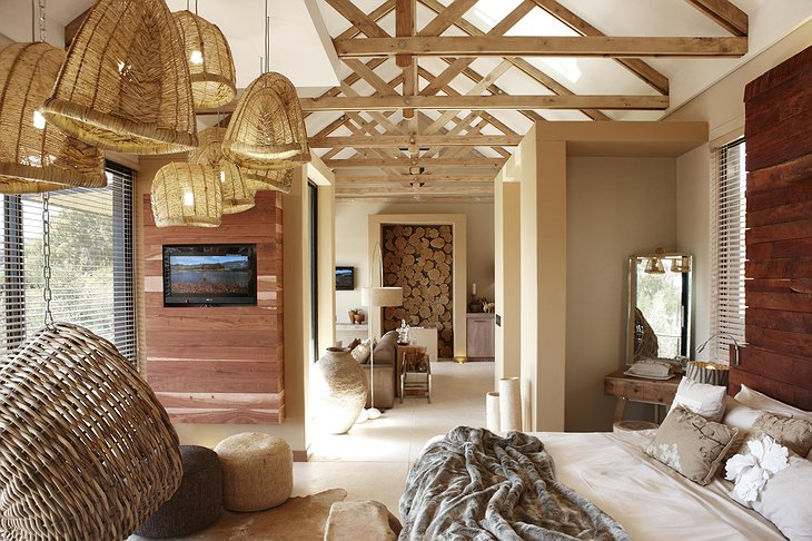 The Olive Exclusive wooden room