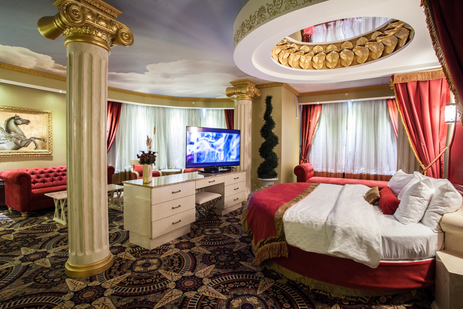 Fantasyland hotel where dreams are in rare agreement for 20 rooms hotel