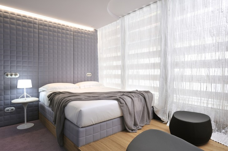 Vander Urbani Resort bedroom
