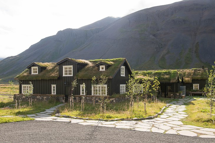 Deplar Farm buildings with green rooftops