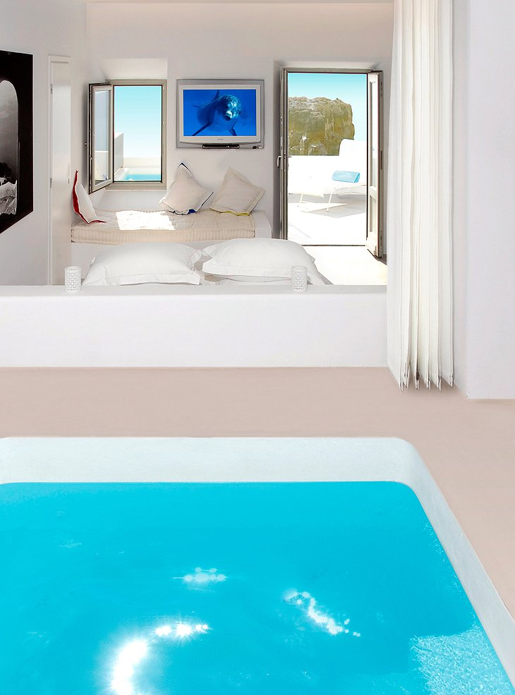 Grace Santorini jacuzzi in the room