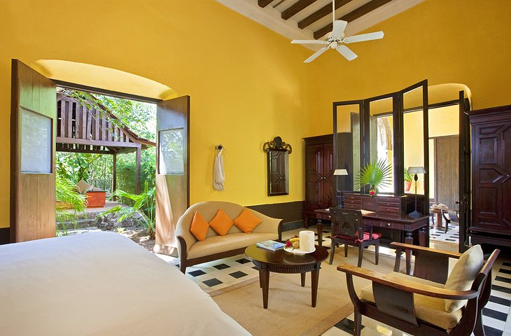 Hacienda Uayamon colonial suite