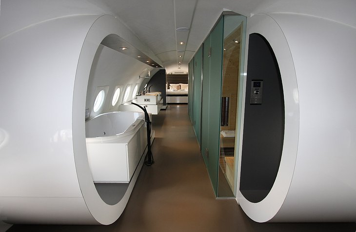 Airplane Suite bathroom