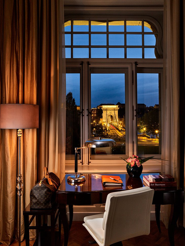 Four Seasons Hotel Gresham Palace work place with Chain Bridge and Castle views