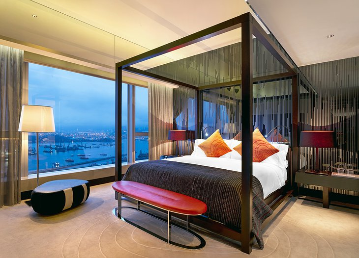 Wow suite bedroom