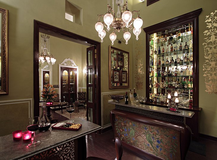 Samode Haveli bar