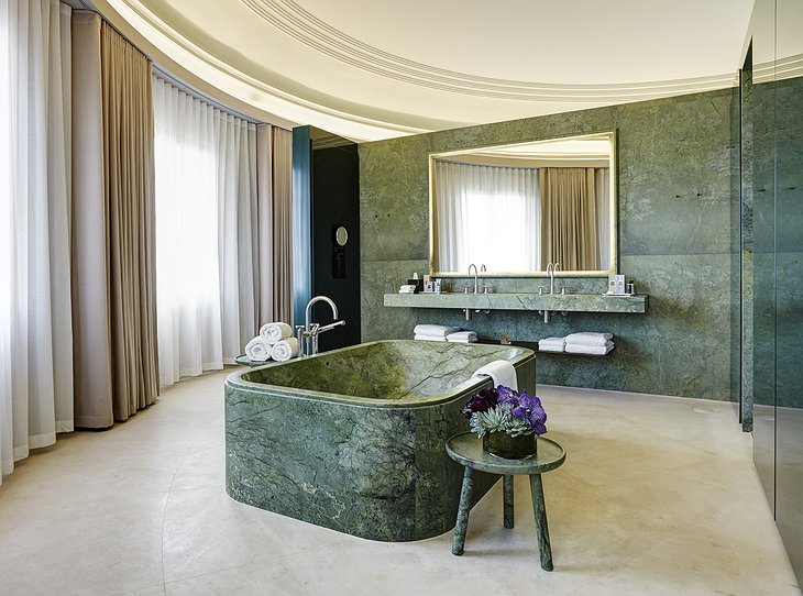 Dome Suite bathroom