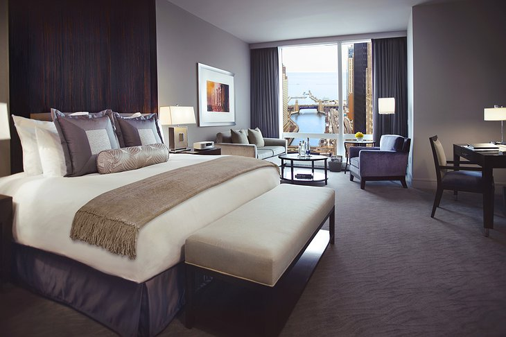 Trump Hotel Chicago bedroom with river view