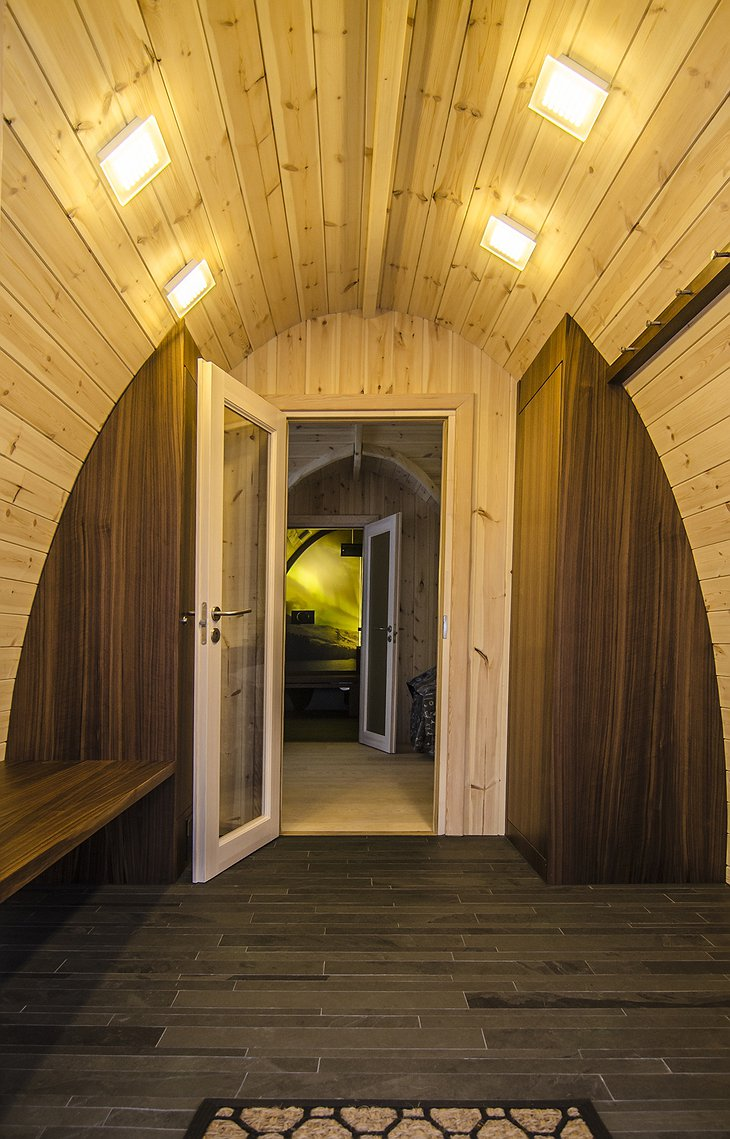 Gamme wooden cabin entrance