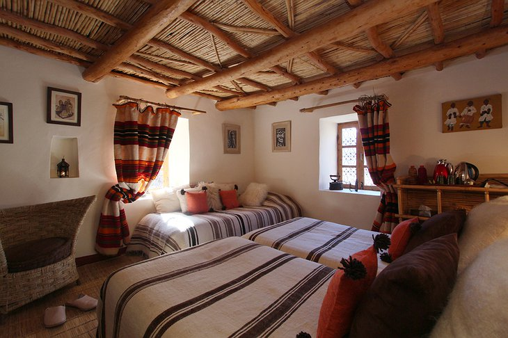 Douar Samra cozy Moroccan room with three beds