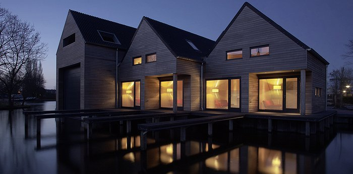 Wooden Water-Side Lodges - Werf Ijlst? Werf Isit? Oh there it is