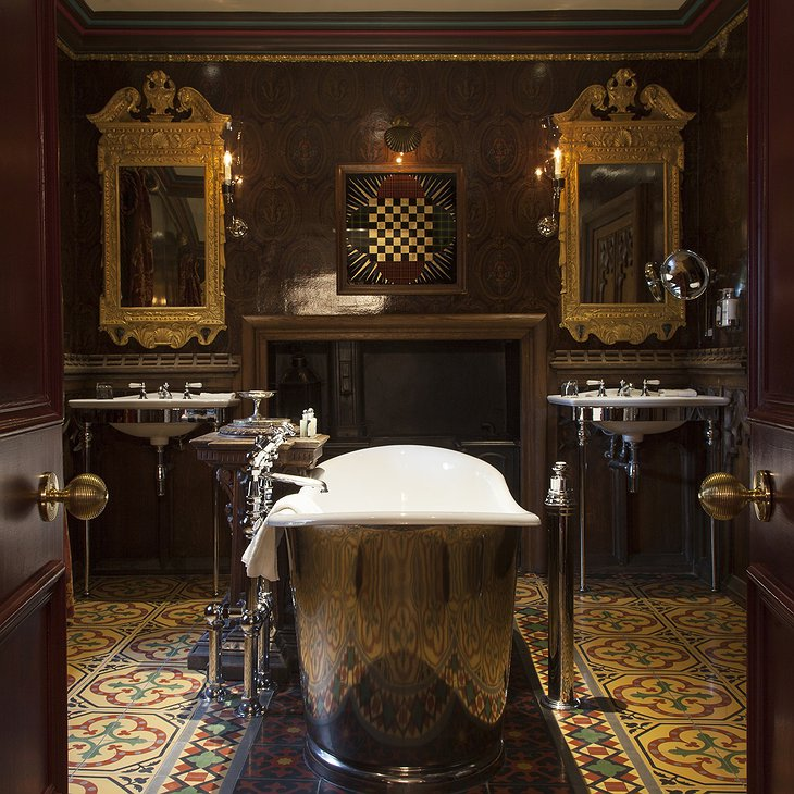 The Witchery by the Castle Turret Bathroom