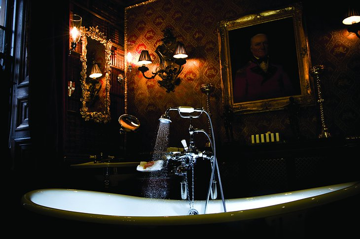 The Witchery by the Castle Old Rectory Bathroom