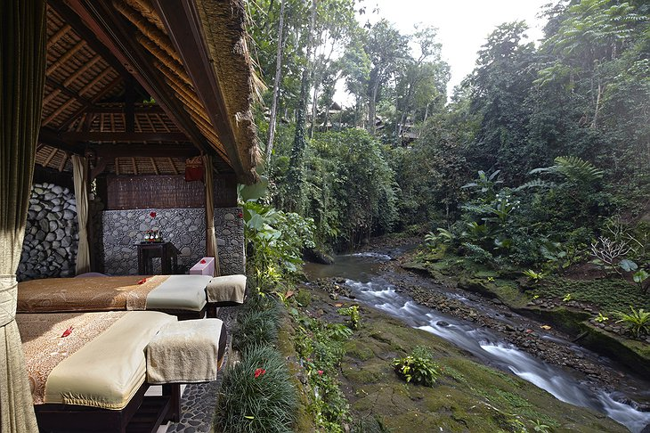 Hotel Tjampuhan spa with river view