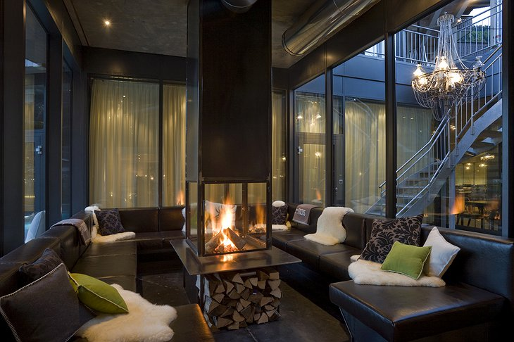 Hotel Matterhorn Focus fireplace lounge
