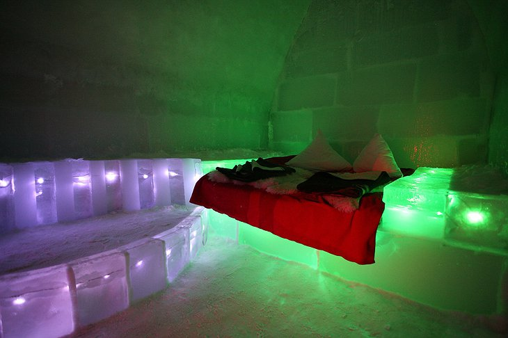 Ice Hotel Romania room