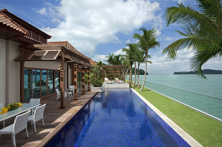 Beach Villas pool