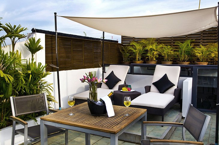 Hotel Be Angkor rooftop terrace and champagne