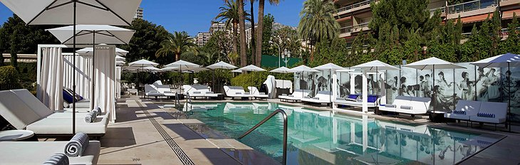 Hotel Metropole outdoor swimming pool