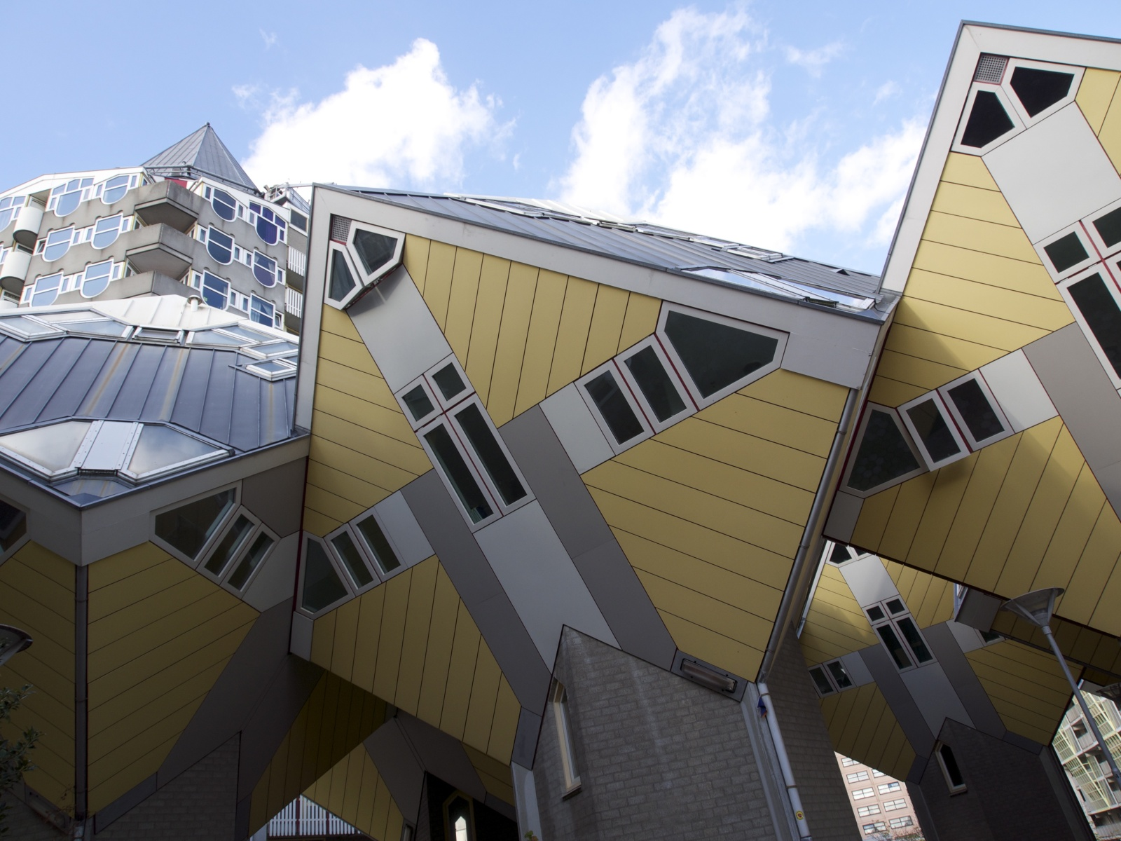 The cube house in rotterdam for Hotel amsterdam cube