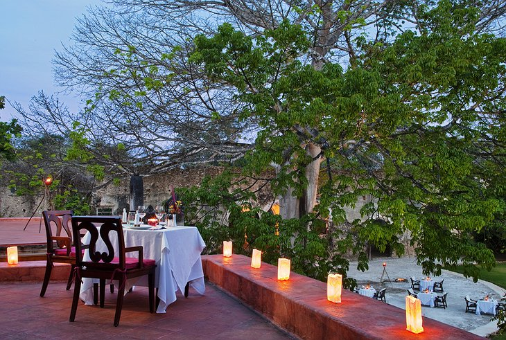 Hacienda Uayamon romantic dinner in the open