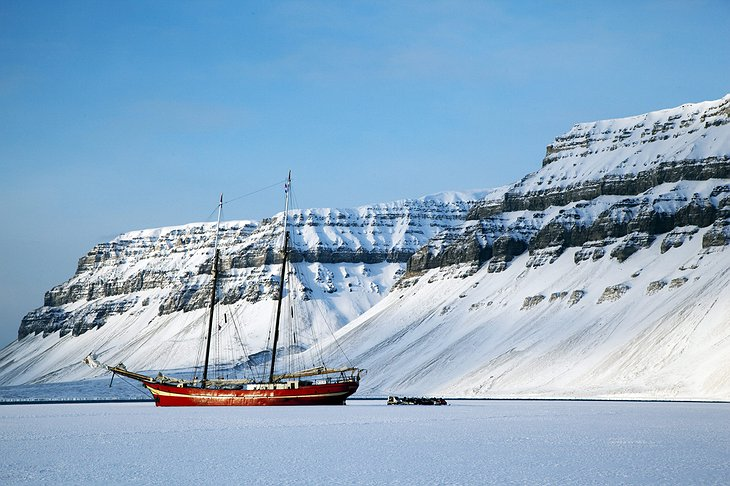 Tempelfjorden with a ship stuck in the ice