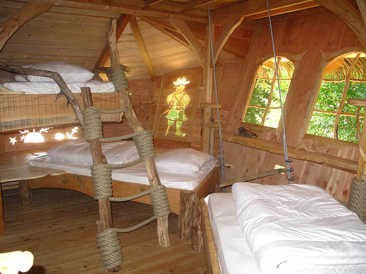Tree house beds