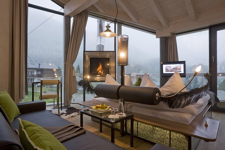 Hotel Matterhorn Focus deluxe suite with fireplace