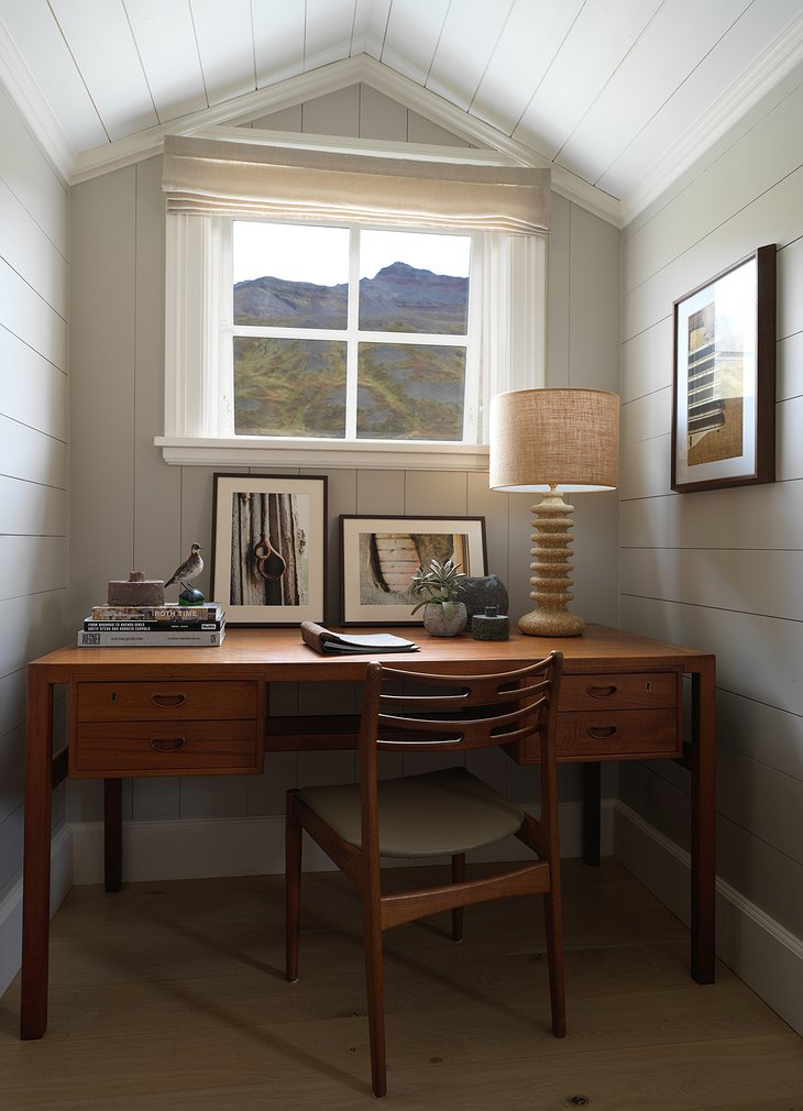 Deplar Farm working desk with nature view