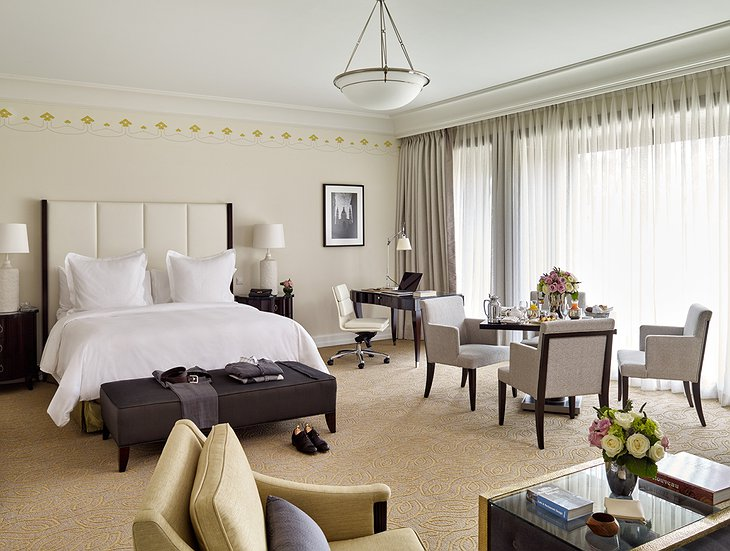 Four Seasons Hotel Gresham Palace bedroom