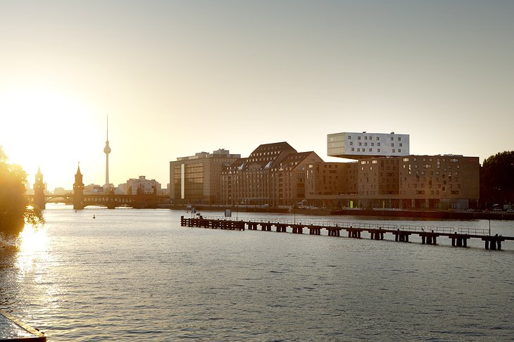 River Spree sunset with Nhow Hotel Berlin
