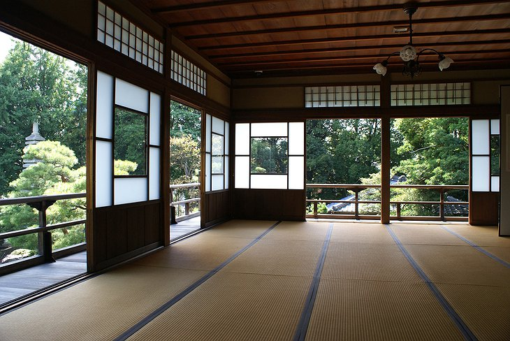 Traditional japanese room in the oldest hotel in the world