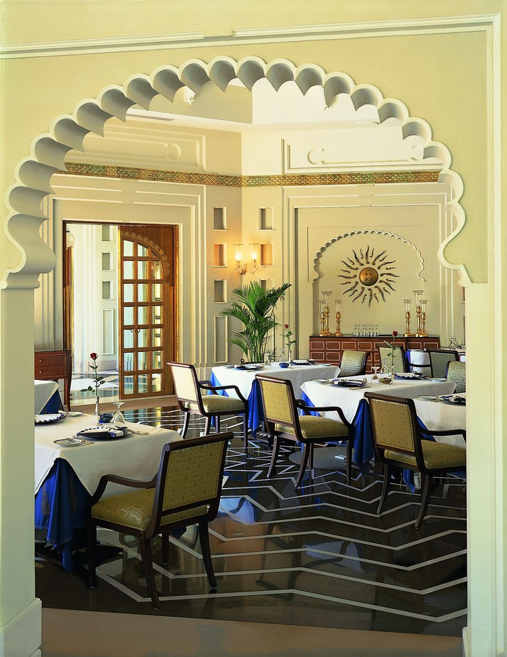 The Oberoi Udaivilas dining room