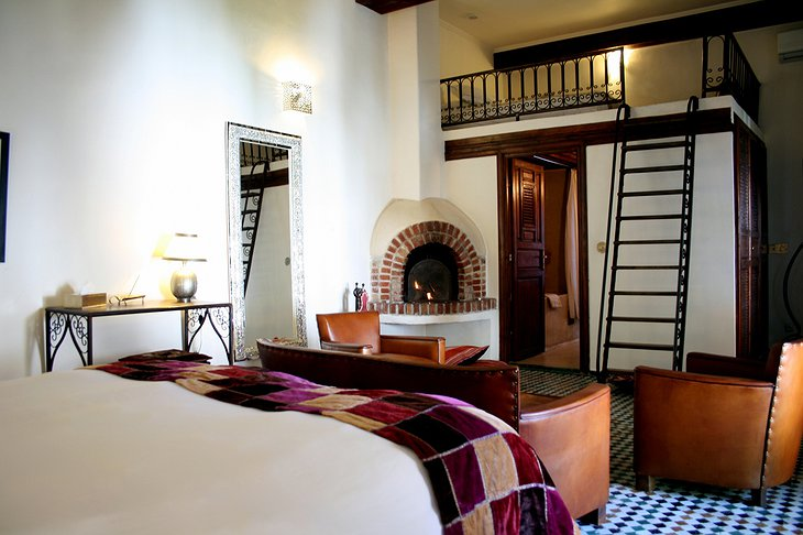 Riad Laaroussa cream suite