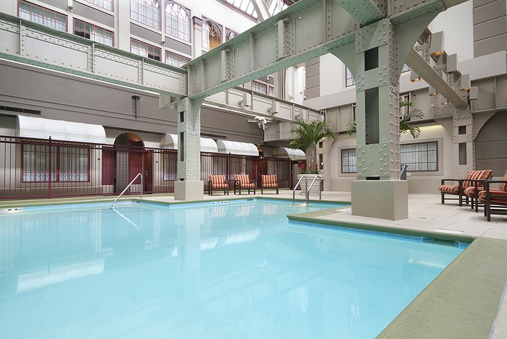 Crowne Plaza Hotel Indianapolis Downtown Indoor Pool
