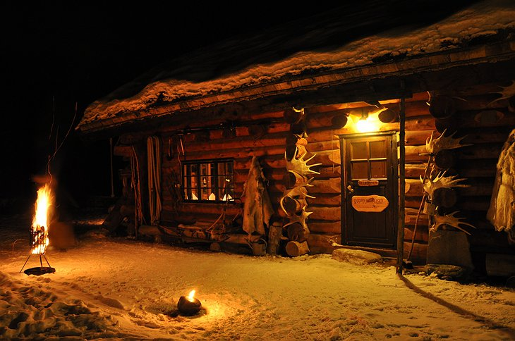 Engholm Husky Lodge at night