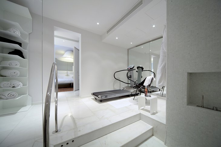Boscolo Milano room with treadmill